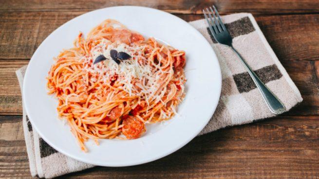 Espaguetis con sobrasada y miel