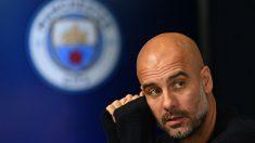 Guardiola durante una rueda de prensa con el Manchester City. (AFP)