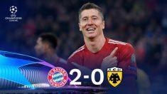 Lewandowski dio la victoria al Bayern con un doblete. (AFP)