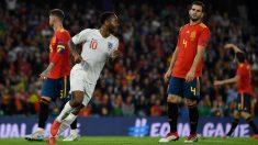 Nacho se lamenta en el España-Inglaterra. (Getty)