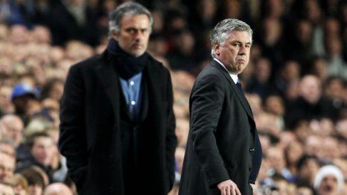 José Mourinho y Ancelotti durante un partido. (Getty)