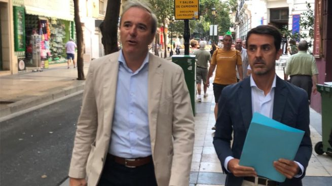 El 'popular' Azcón elegido alcalde de Zaragoza con los votos de C's y Vox