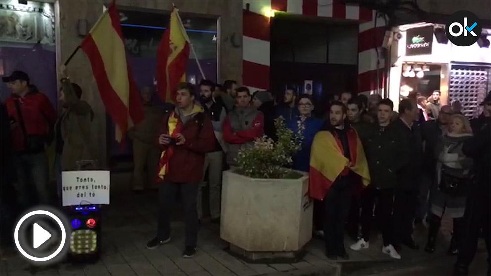 Concentración ante el Teatro Quijano de Ciudad Real.