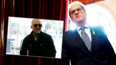 El vigilante Manuel Murillo y el presidente catalán, Quim Torra.