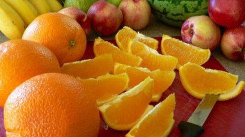 la naranja es una fruta cítrica que nos ayuda a adelgazar