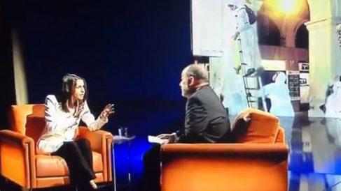 Inés Arrimadas durante su entrevista con Vicent Sanchis en TV3.