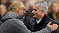 Mourinho y Guardiola se saludan antes del derbi. (Getty)