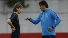 Luka Modric y Zlatko Dalic. (AFP)