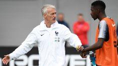 Didier Deschamps y Ousmane Dembélé en un entrenamiento con Francia. (AFP)