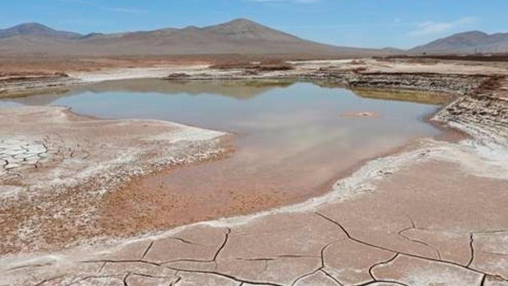 Una balsa de agua en el desierto de Atacama, en Chile. FOto: Europa Press