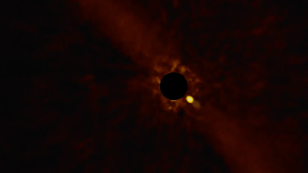 Detectadas las primeras imágenes de un exoplaneta orbitando su estrella