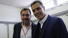 Óscar Puente con Pedro Sánchez. (Foto: PSOE)