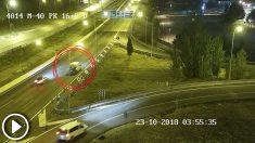 El hombre murió tras caer accidentalmente y ser atropellado por un coche que circulaba por la M-40