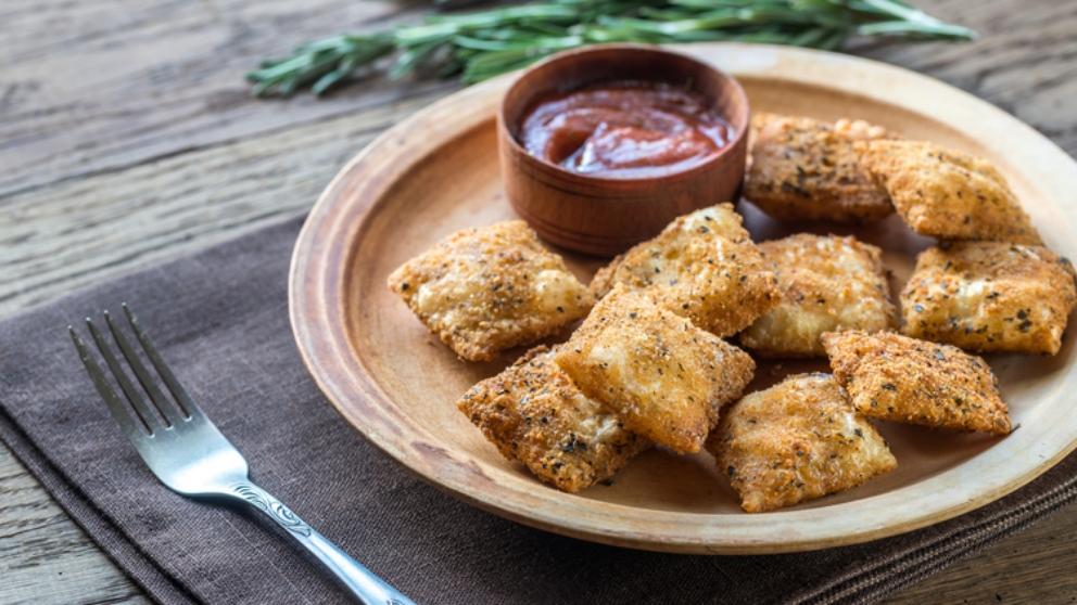 Receta de raviolis de queso fritos