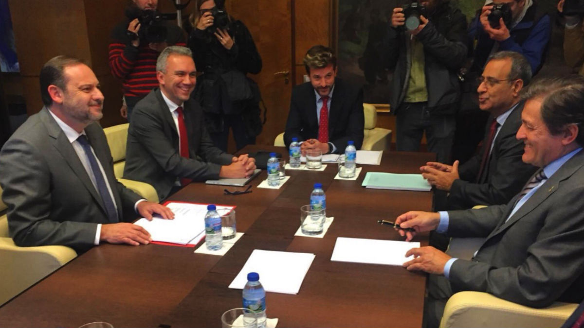 El ministro de Foemento José Luis Ábalos este miércoles en Asturias (RRSS).