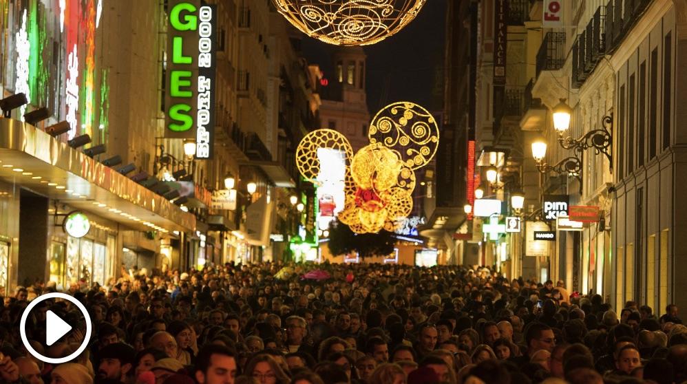 Calle Preciados en el centro de Madrid, en Navidad
