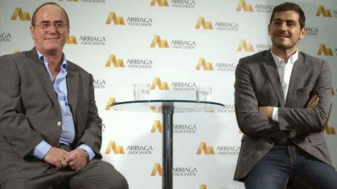 Iker Casillas y Jesús María Arriaga