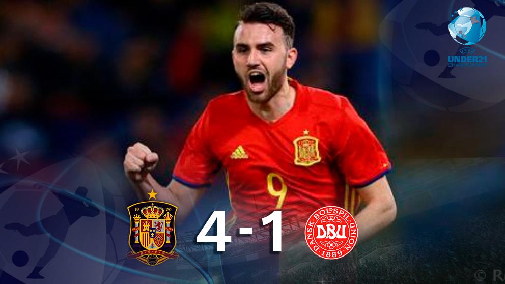 Mayoral anotó tres goles en la goleada de España contra Dinamarca.