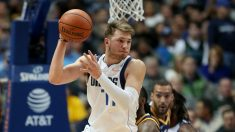 Doncic, durante un partido de la NBA. (Getty)