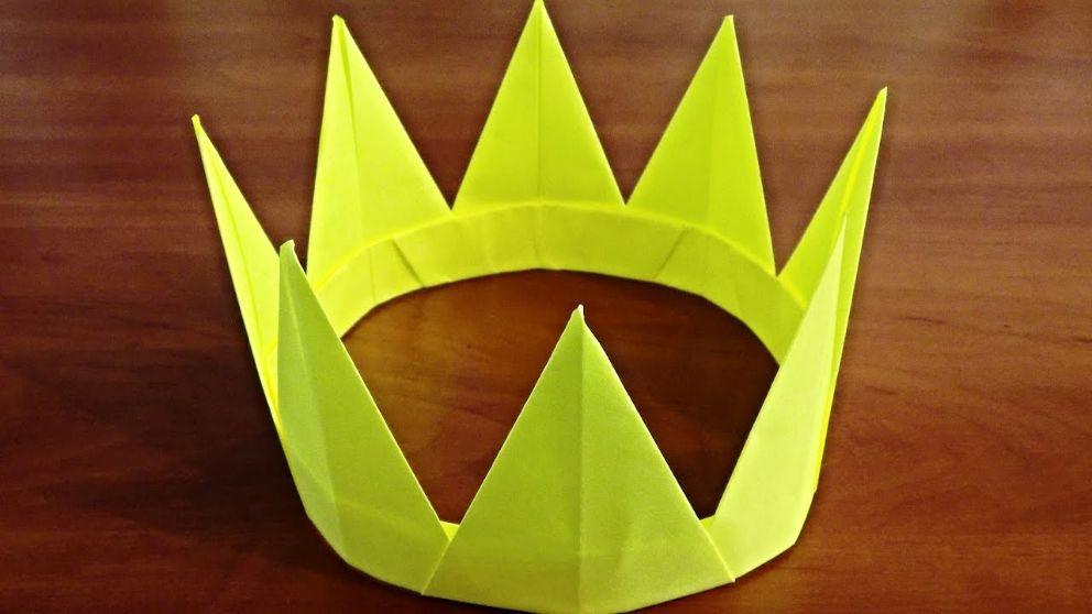 Cómo hacer una corona de hojas de papel