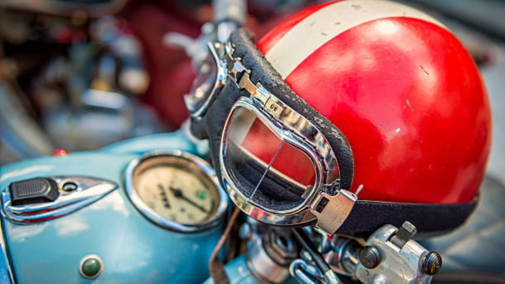 Aprende cómo pintar el casco de la moto