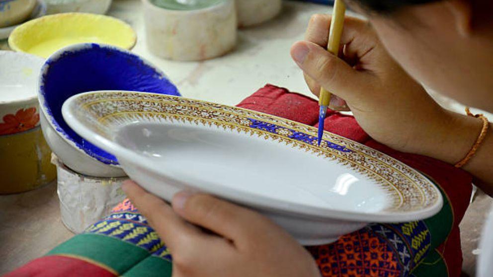 C mo pintar platos a mano - Como pintar azulejos a mano ...
