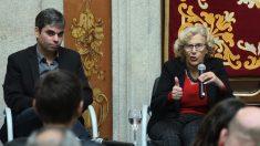 Jorge García Castaño, edil de Economía, y Manuela Carmena. (Foto. Madrid)