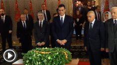 Pedro Sánchez ante la tumba de Mohamed V.