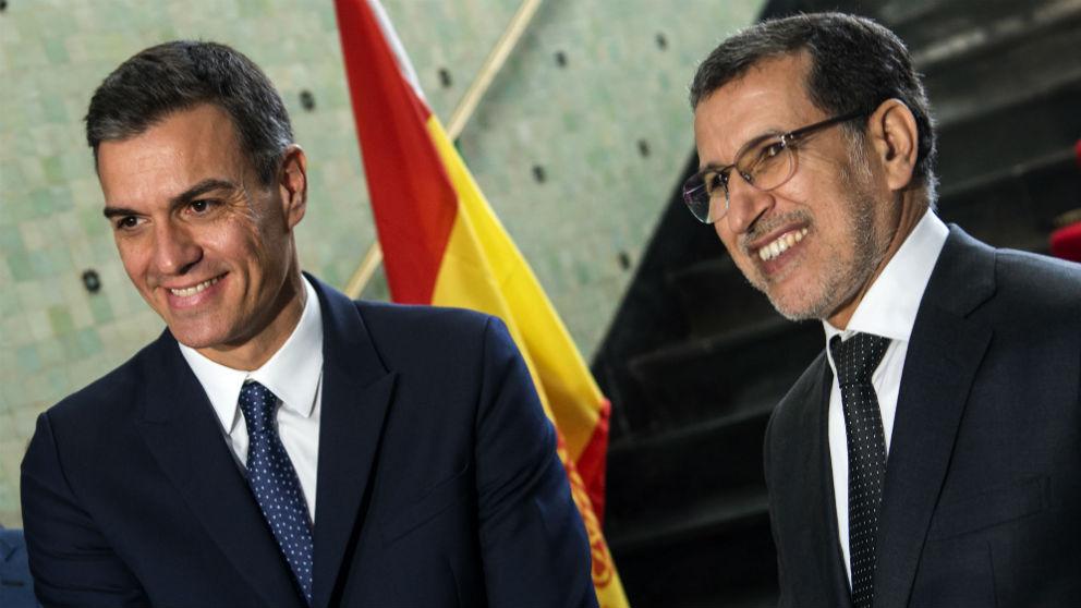 Pedro Sánchez y el presidente de Marruecos, Saad Eddine el-Othmani. (Foto: AFP)