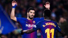 Luis Suárez y Ousmane Dembélé celebran un gol con el Barcelona. (Getty)