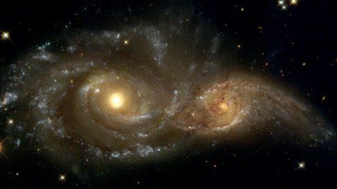 Existe una posible relación entre choque de galaxias y crecimiento de agujeros negros