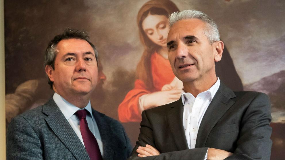 El alcalde de Sevilla, Juan Espadas (i) y el consejero de Cultura, Miguel Ángel Vázquez, en la rueda de prensa de la exposición 'Murillo IV centenario'.