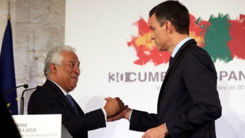 Pedro Sánchez junto al primer ministro portugués, Antonio Costa. (EFE)