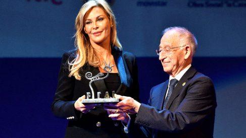 Alison Doody recoge el premio (Foto: EFE).