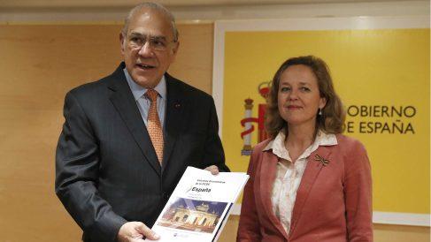 Ángel Gurría (OCDE) junto a Nadia Calviño