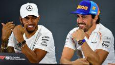 Fernando Alonso y Lewis Hamilton, en la rueda de prensa previa al GP de Abu Dhabi. (Getty)