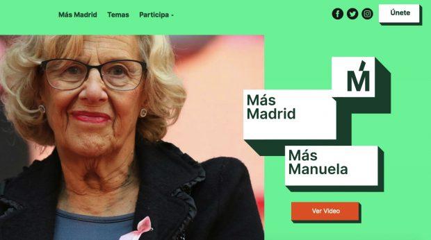 Carmena presenta desde la cocina de su chalé frente a un microondas su plataforma electoral