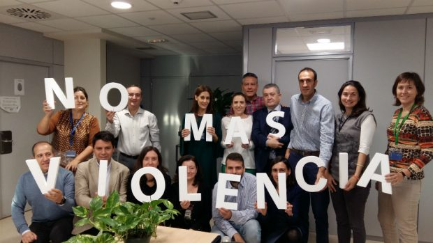 Clece alza la voz contra el maltrato con dos campañas de sensibilización