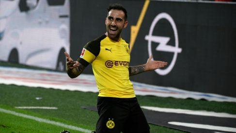 Paco Alcácer celebra un gol. (AFP)