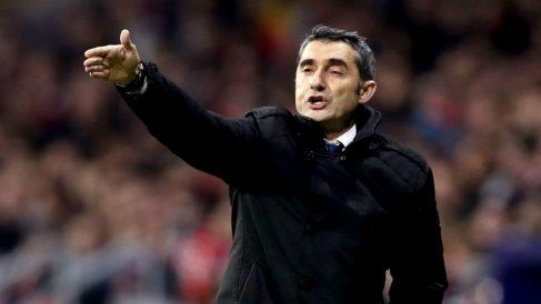 Valverde da instrucciones durante un partido. (EFE)