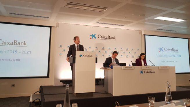 Caixabank cierra el traspaso de su cartera inmobiliaria a Lone Star por 3.974 millones de euros