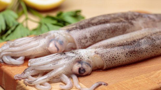 Receta de calamares salteados con zanahoria y calabacín