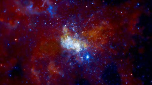 Conoce Sagitario A*, el agujero negro que une la Vía Láctea