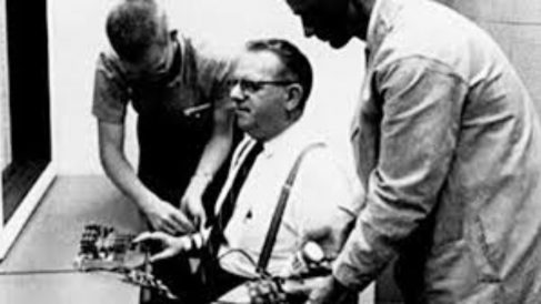 Imagen del Experimento de Milgram