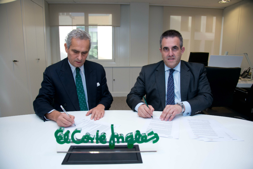 Firma entre Víctor del Pozo, CEO de ECI, y Rodrigo Cipriani, country manager de Alibaba