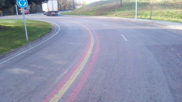 Pintan la bandera de España en carreteras de decenas de municipios catalanes