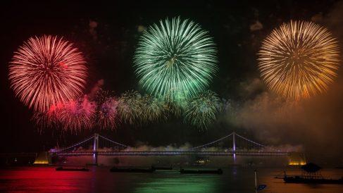 Los fuegos artificiales ofrecen fotos impresionantes