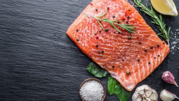 salmón a la sal
