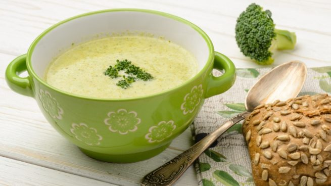 Crema de brócoli y almendras