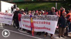 Manifestación de Podemos en La Almudena para protestar contra el traslado de Franco.